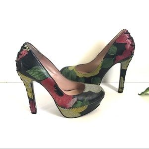 Betsey Johnson Ditan Black Floral Heels Pump